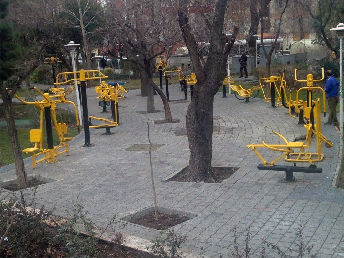 ست ورزشی پارکی در تجهیزات مبلمان شهری